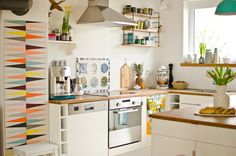 Kitchen with brakig - Leelah Loves