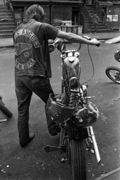 Black&white photo 1960s 1970s Hells Angels motorcycle club, bikers