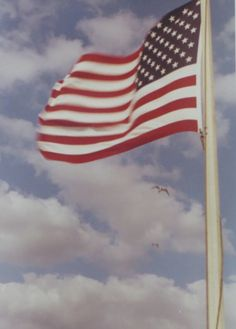 American Flag Pictures, Patriotic Pictures, Photo Wall Collage, Picture Wall, American Flag Wallpaper, Kodak Photos, I Love America, Old Glory, Red Aesthetic