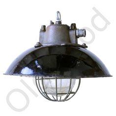Industriele lamp Bulov1 uit de Bauhaus tijd. Deze lamp met korf heeft een zwarte kap. Afmetingen: (hoogte x diameter): 30 x 45 cm.