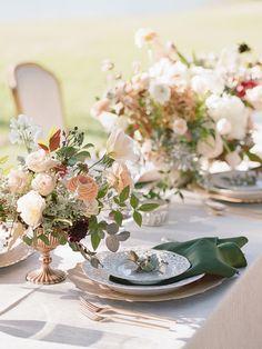 Wedding Table Settings, Wedding Flower Arrangements, Wedding Table Centerpieces, Flower Centerpieces, Wedding Flowers, Wedding Decorations, Stage Decorations, Table Arrangements, Green Wedding