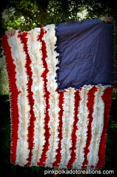 Pink+Polka+Dot+Creations%3A++Rag+Flag+quilt.++Easy+to+sew%21++Fun+to+decorate+with.