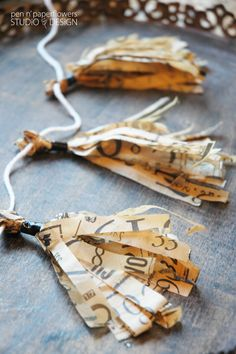 Love the tissue tassels made of tissue paper (maybe use sewing pattern tissue). Would be fun to use in a fall banner. Lots of cute duct tape ideas too. From Pen N' Paperflowers: CRAFT   Scotch® Duct Tape Decor
