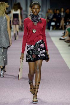 Giambattista Valli Spring 2016 Ready-to-Wear Fashion Show