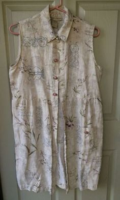 A very sweet dress by Sweet Jessie. :) Beige background with a romantic print.