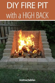 diy outdoor projects DIY Fire Place/Pit: Want a great accent to your backyard, but tight on space? Try this DIY Fire Place/Pit Build that has a high back wall so that you can keep Diy Fire Pit, Fire Pit Backyard, Backyard Patio, Backyard Landscaping, Landscaping Ideas, Outdoor Fire Pits, Patio Ideas, Pergola Ideas, Modern Pergola