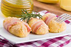 ***¿Cómo hacer Croquetas de Patatas y Tocino?*** Aprende una receta genial para preparar croquetas de patatas y tocino, y soluciona una cena rápida para cualquier día...SIGUE LEYENDO EN.... http://comohacerpara.com/hacer-croquetas-de-patatas-y-tocino_11182c.html