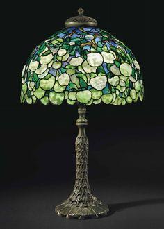 Tiffany Studios Snowball table lamp,Christie's lot #20