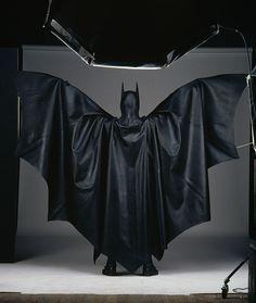 Batman Cosplay, Batman Suit, Batman And Superman, Super Hero Outfits, Super Hero Costumes, Michael Keaton Batman, Batman Artwork, Batman Returns, Batman The Dark Knight