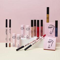 Le lancement de la ligne de make-up d'ASOS correspond aussi à la mise en avant d'ASOS Beauté «Visage + Corps» qui permet de commander d'autres marques de beauté directement sur le site.