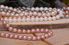Χάντρες Πέρλες Φυσικές Old Lilac 8mm 48τεμ. BD3182-603  Χάντρες πέρλες φυσικές σε χρώμα old lilac.Διάμετρος: 8mmΗ συσκευασία περιέχει 48 τεμάχια. Beaded Bracelets, Jewelry, Vintage, Fashion, Jewellery Making, Moda, Jewels, Fashion Styles, Pearl Bracelets