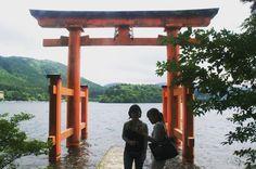 Big red gate to spirit world at Ashi lake #Hakone  #HypeinTokyo #HypeinJapan #Kanagawa #ikitaijapan #worldnomads #bcntb #livetravelchannel #Japanawaits #ViatgersDC #Catalanspelmón #iamtb #travelawesome #lonelyplanet #passionpassport #bbctravel #japantravelcom #japanwireless #gaijinpottravel #instagramjapan #team_jp_ #IGersJP #Japan_vacations #japan_daytime_view #travelphotography #theculturetrip #TravelStoke #箱根 #芦ノ湖 #写真旅行