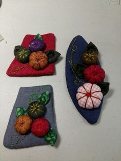 Fabric Sewing, Textile Jewelry, Felt Projects, Gifs, Textiles, Couture, Flowers, Crafts, Style