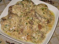 Куриная печень в орехово-чесночном соусеМягкая печень, тушенная в сметане с орехами и чесноком – это так вкусно!Ингредиенты:- 0,5кг куриной печени- 2+1 ст. ложки муки- 150г сметаны- полстакана чищеных…