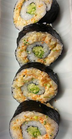 With this healthy sushi rice recipe you can add fun and creativity to create other sushi flavors that you love! What about fusion style sushi or scrumptious California? What's your sushi roll? Make Your Own Sushi, How To Make Sushi, Sushi Kunst, Sashimi, Sushi Comida, Dessert Chef, Seafood Recipes, Cooking Recipes, Clam Recipes