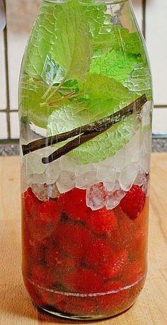 Himbeerlikör, ein gutes Rezept mit Bild aus der Kategorie Sommer. 16 Bewertungen: Ø 4,4. Tags: einfach, Frucht, Getränk, Likör, Schnell, Sommer