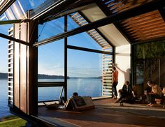 Seattle architecture has earned a reputation for integrated, systems-based design approaches. Looking at connections to the surrounding landscape and natural... Transformer Un Garage, Design Studio, House Design, Studio Mk27, Coffee Table Inspiration, Off Grid House, Haus Am See, Vashon Island, House Seasons