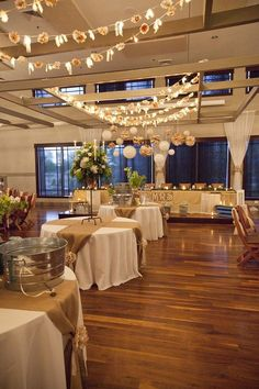 love the burlap on the tables