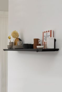The KIN 1 is the single shelf option and is available in 2 widths; and KIN SHELVING SYSTEM A sleek and modern modular shelving system is desi Modular Shelving, Entertainment Wall, Shelf System, Kitchen Worktop, Modular Design, Retail Space, Floor Space, Frames On Wall, Storage Boxes
