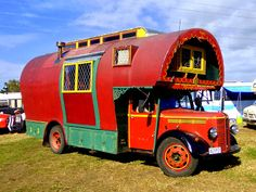 The Flying Tortoise: Maid Of Dreams. The Head Turning Gorgeous 1951 Bedford Gypsy Housetruck And Shining Star Of The 2013 Bedford New Zealand Rally. Gypsy Trailer, Gypsy Caravan, Gypsy Wagon, Rv Campers, Camper Van, Rv Truck, Truck House, Trucks, Bedford Truck