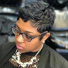 Black Women Short Hairstyles, Short Pixie Haircuts, Cute Hairstyles For Short Hair, Short Curly Hair, Pixie Hairstyles, Short Hair Cuts, Curly Hair Styles, Natural Hair Styles, Pixie Cuts