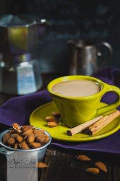 Caffè macchiato with almond milk