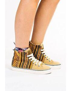 Woman - MIPACHA® Inca Shoes
