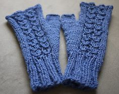Ravelry: Mock Cable Mittens pattern by Therese Timpson free pattern