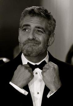 George Clooney Al único hombre en el mundo entero al que perdonaría la barba! #lilyandgeorge