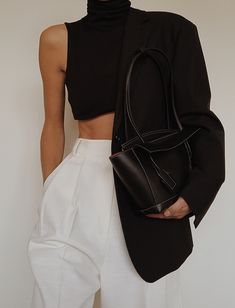 Winter Fashion Trends 2020 for Casual Outfits Look Fashion, Autumn Fashion, Fashion Outfits, Womens Fashion, Fashion Trends, Curvy Fashion, Fashion Tips, Minimal Chic, Minimal Fashion