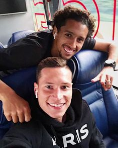 Drax et Marquis Julian Draxler, Psg, Soccer, Football, Guys, Marquis, Germany, Soccer Players, Funny Qoutes