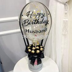Candy Bouquet Diy, Diy Bouquet, Balloon Arrangements, Balloon Centerpieces, Balloon Flowers, Balloon Bouquet, Balloon Gift, Hot Air Balloon, Birthday Balloon Decorations