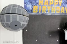 Turn a paper lantern into the Death Star with gray spray paint, black tape, and a few pieces of cardboard. 23 Ways To Throw The Best Star Wars Birthday Party Ever Star Wars Party, Star Wars Cake, Death Star Pinata, Tema Star Wars, Star Wars Font, Aniversario Star Wars, Starwars, Star Wars Birthday, 7th Birthday