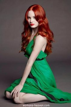 green dress fashion style moda clothes wear picture image http://www.womans-heaven.com/green-dress-15/
