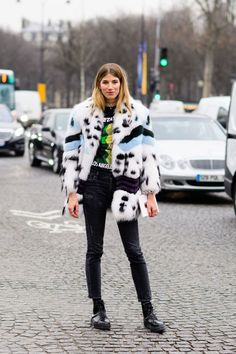 Last week was Haute Couture Fashion Week, and the streets of Paris were filled with beautiful ladies rocking some of the coolest pieces of the season. Scroll down to see the top five street style...