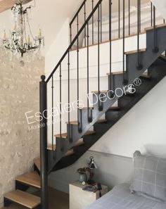 Escalier Bistrot - Escaliers Décors® Staircase Design, Stairs, Cabin, Home Decor, Staircases, House Decorations, Steel Stairs, House Stairs, Painted Stairs