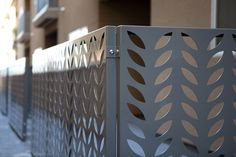 fencing corner Bok Modern laser-cut organic leaflike fern almond style fencing nature inspired