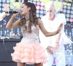 Pin for Later: Ihr werdet Ariana Grande in diesen Bildern kaum wiedererkennen Mai 2013