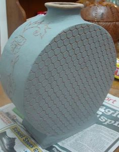 Using wire mesh for impressions in clay [Rowena Maxwell - Row's Pottery Shed]