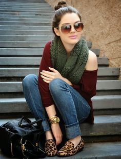 Comfy Fall Look Slouchy Sweater And Scarf