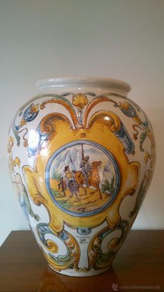 Orza de cerámica de Talavera Mayor con motivos cervantinos. pp. S.XX / Porcelana y cerámica en todocoleccion