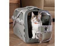Découvrez la caisse de tranport Pet cargo Cabrio sur http://www.animaleco.com/catalogue/chat/chaton/transport-chaton/cabriodesign-boite-transport-gris  Elle est pratique, solide et à petit prix ! #voyage #animaux #chien #chat