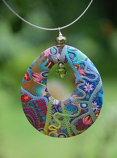 Polymer Clay, Fimo, Kaltporzellan, Keramik # Pendentif - Wind Song Bracelets- Tips on how to make th Polymer Clay Kunst, Polymer Clay Canes, Polymer Clay Necklace, Polymer Clay Pendant, Fimo Clay, Polymer Clay Projects, Polymer Clay Creations, Polymer Clay Beads, Clay Crafts
