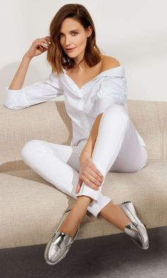 The Felize - Patent Driver Wear Test, Some People Say, White Pants, New Shoes, Fashion Advice, Toscana Italy, Tuscany Italy, Fashion Tips, White Trousers