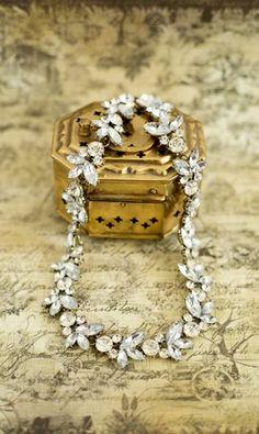 Isolde Necklace -- Shabby Apple --- So Pretty! Wedding Jewelry, Jewelry Box, Vintage Jewelry, Jewelry Accessories, Jewlery, Bridal Accessories, Unique Jewelry, Shabby Apple, Diamond Are A Girls Best Friend