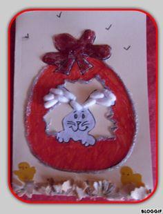 carte pâques avec coton tige et copeaux de crayon