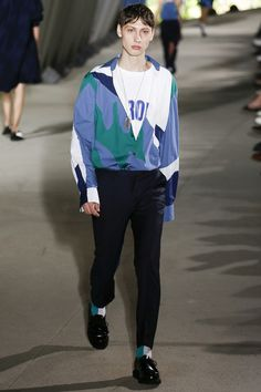 Etudes Spring 2018 Menswear Fashion Show