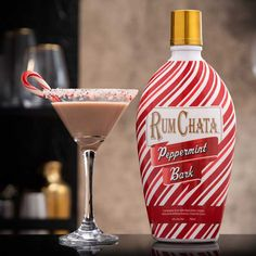Rumchata Cocktails, Rumchata Recipes, Martini Recipes, Alcohol Drink Recipes, Alcoholic Drinks, Liquor Drinks, Peppermint Vodka, Peppermint Cookies, Christmas Cocktails