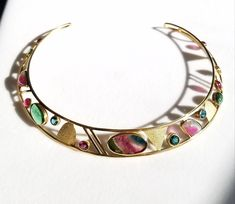 Multi-colored tourmaline collar in gold by artist Hannelore Gabriel Living In Colorado, Chandelier Earrings, Handcrafted Jewelry, Gabriel, Bridal Jewelry, Jewelry Crafts, 18k Gold, Cuff Bracelets, Custom Design