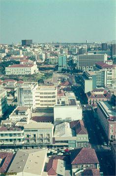 Cidade de Luanda em 1973. http://www.prof2000.pt/users/secjeste/arkidigi/Luanda70_20.htm